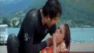 Fardeen and aarti chabaria kissing