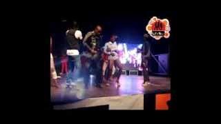 En concert a? l'H?tel Ivoire Koffi réconcilie Dj Arafat et Dj Debordeau