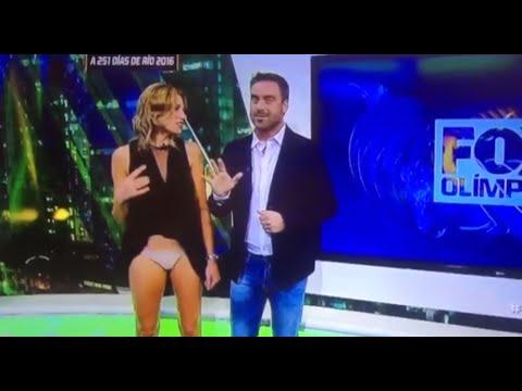 Fox News reporter suffers unfortunate wardrobe malfunction live on air