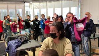 Cori, trenini e brindisi per festeggiare la vittoria del centrosinistra a Savona