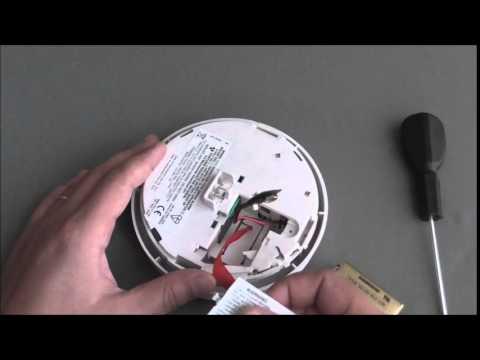 DETA 1111 Smoke alarm battery replacement