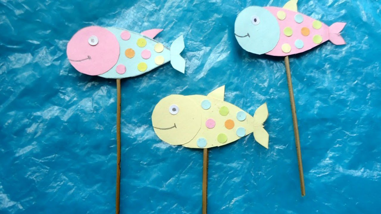 Create smiley fish stick puppets diy crafts for Fish on a stick