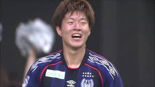 G大阪が敵陣で数的優位を作り出すと、PA内に侵入したファン ウィジョ(...