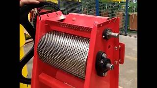 Penagos - Changing the grater sleeve of the coffee pulper