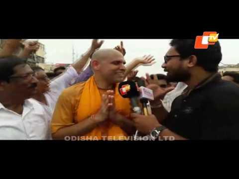 Krishna community LIVE from Mumbai - Jagannath Rath Yatra Puri 2017