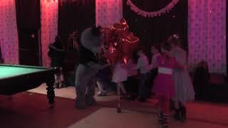 Танцы ,игры ,веселье-день рожденье Виктории с мишкой Тедди
