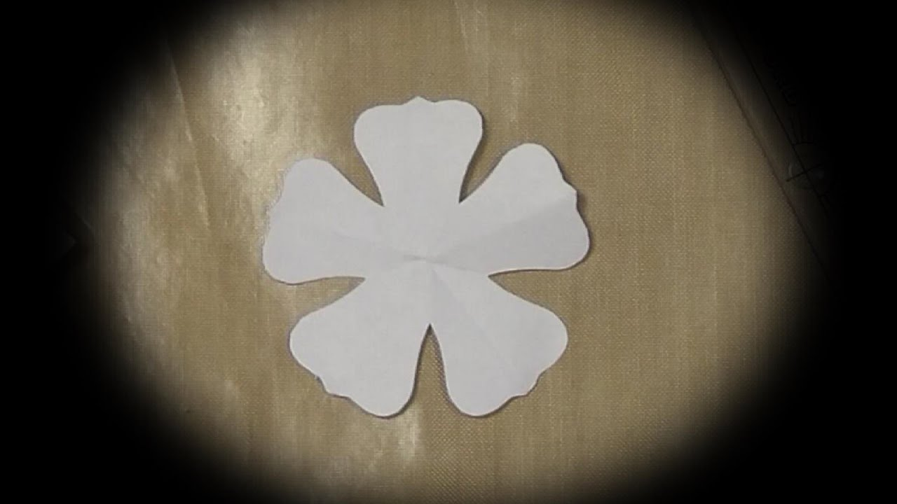 How To Make A Simple Template For 5 Petal Flower Folding Youtube