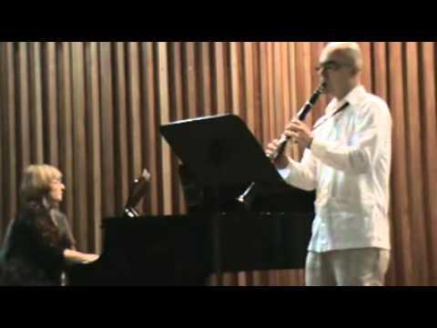 Poulenc clarinet sonata 1 Mov. Jairo A. Henao eche...
