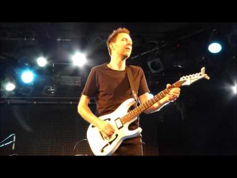 Paul Gilbert Medley live Barcelona 2016