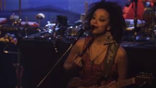 Emicida canta Madagascar, ao vivo na festa #Lab7Anos