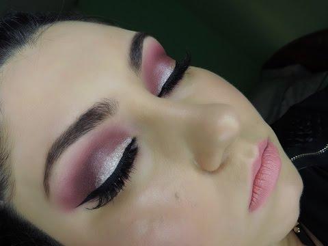 Maquillaje en tonos morados y rosas para San Valentin