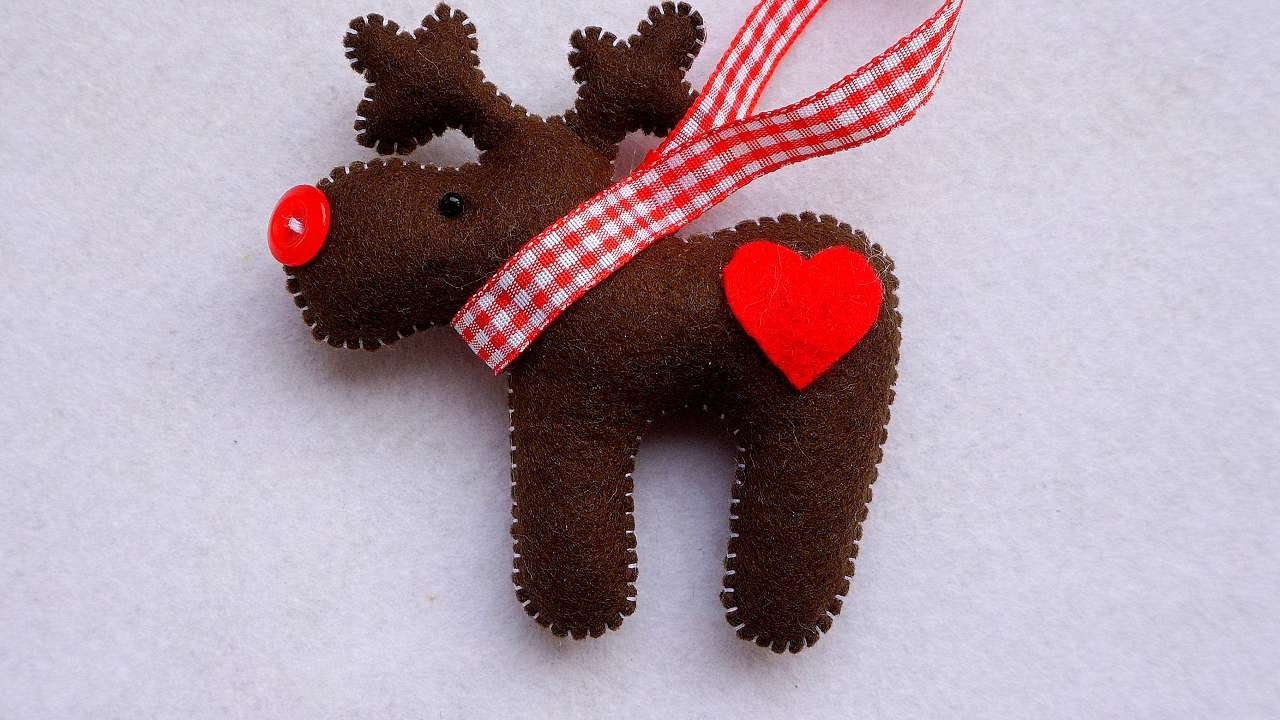 how to make a deer christmas ornament of felt diy home tutorial guidecentral youtube - Handmade Felt Christmas Decorations