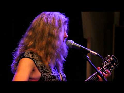 Dar Williams - Full Performance - Radio Woodstock 100.1 - 8/25/15