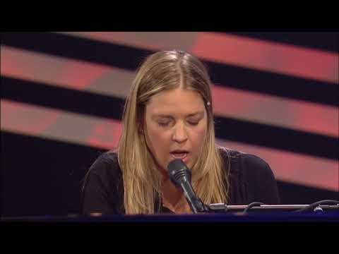 "Diana Krall performs ""A Case of You"""
