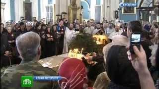Петербург простился сАлексеем Балабановым аплодисментами ицветами
