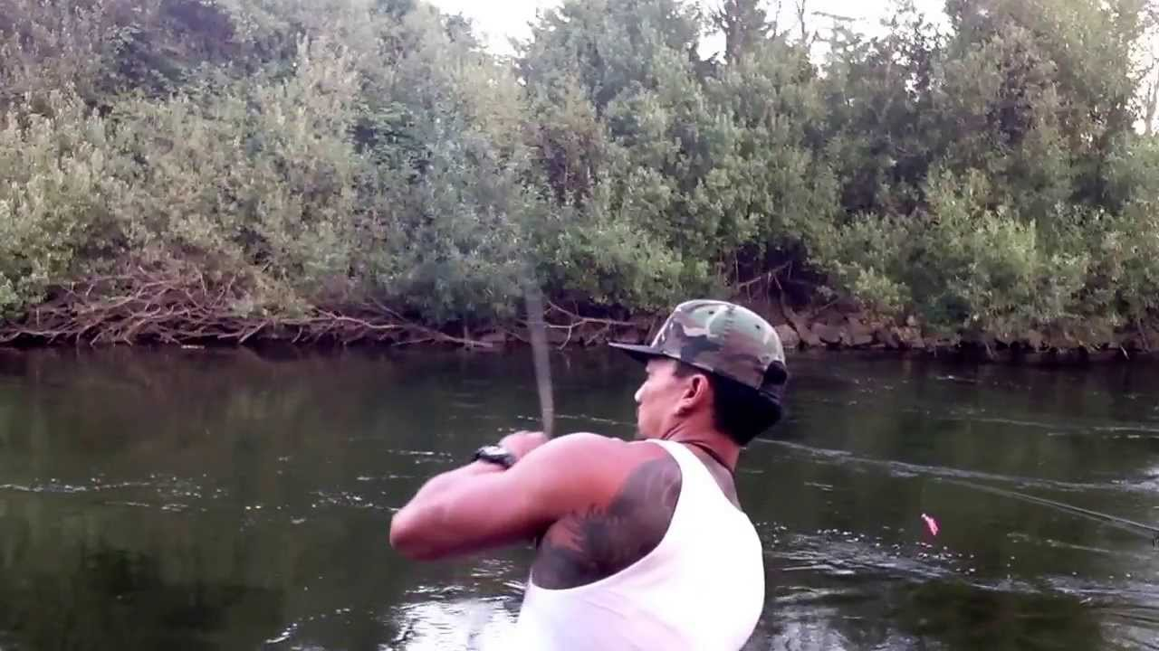 Fishing for pinks at river bend in kent wa youtube for Puyallup river fishing