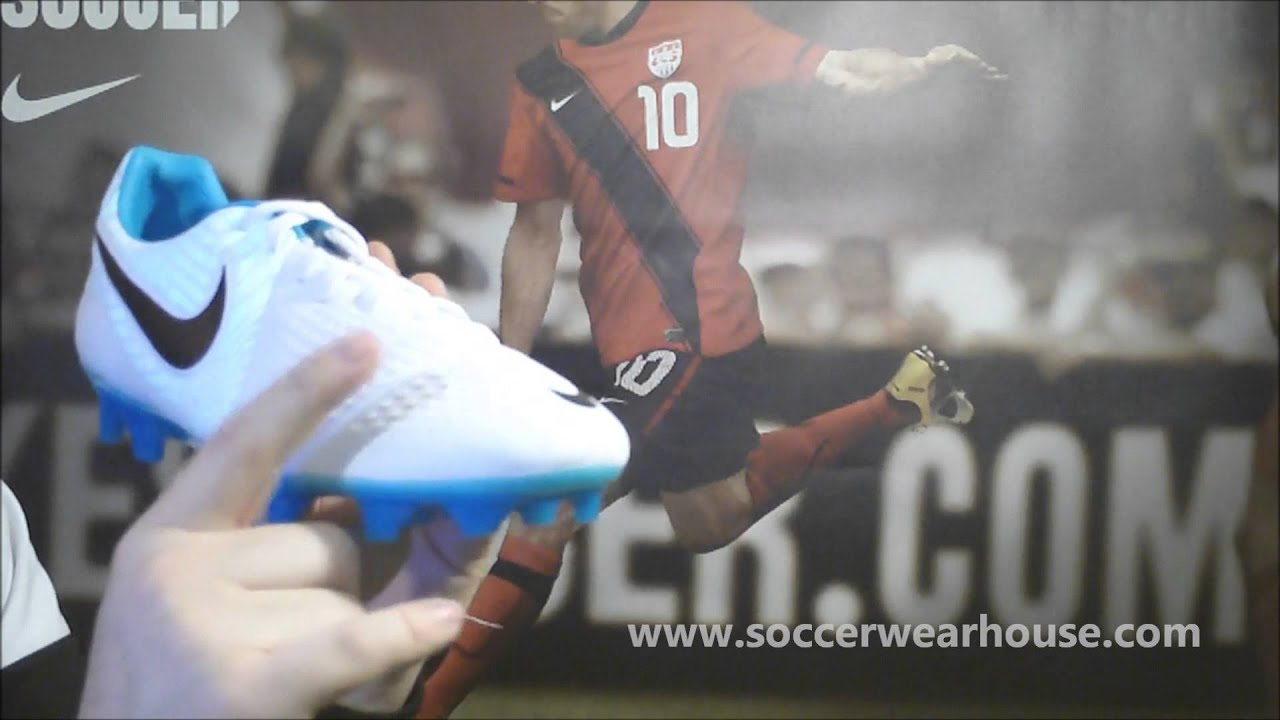 8836b8033 PRODUCT REVIEW  Nike CTR360 Maestri III FG - Reflective Pack - YouTube