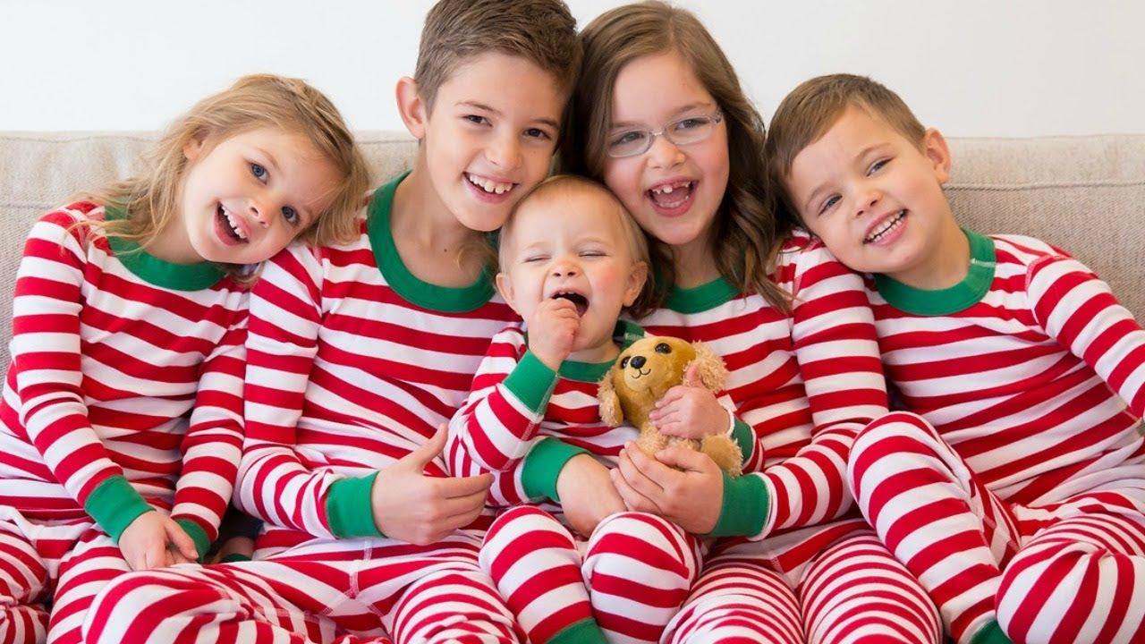 Christmas Family Pictures.Christmas Family Pictures
