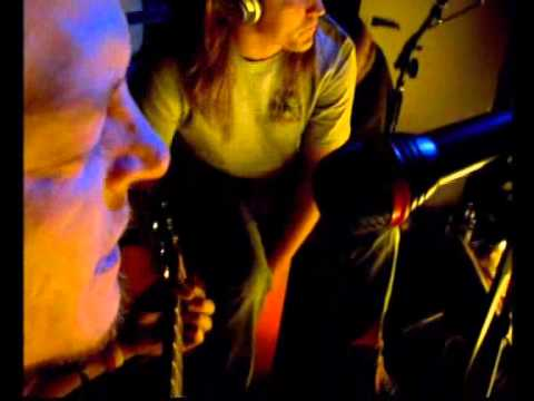 Puddle of Mudd Drift and Die acoustic version [Striking That Familiar Chord DVD]