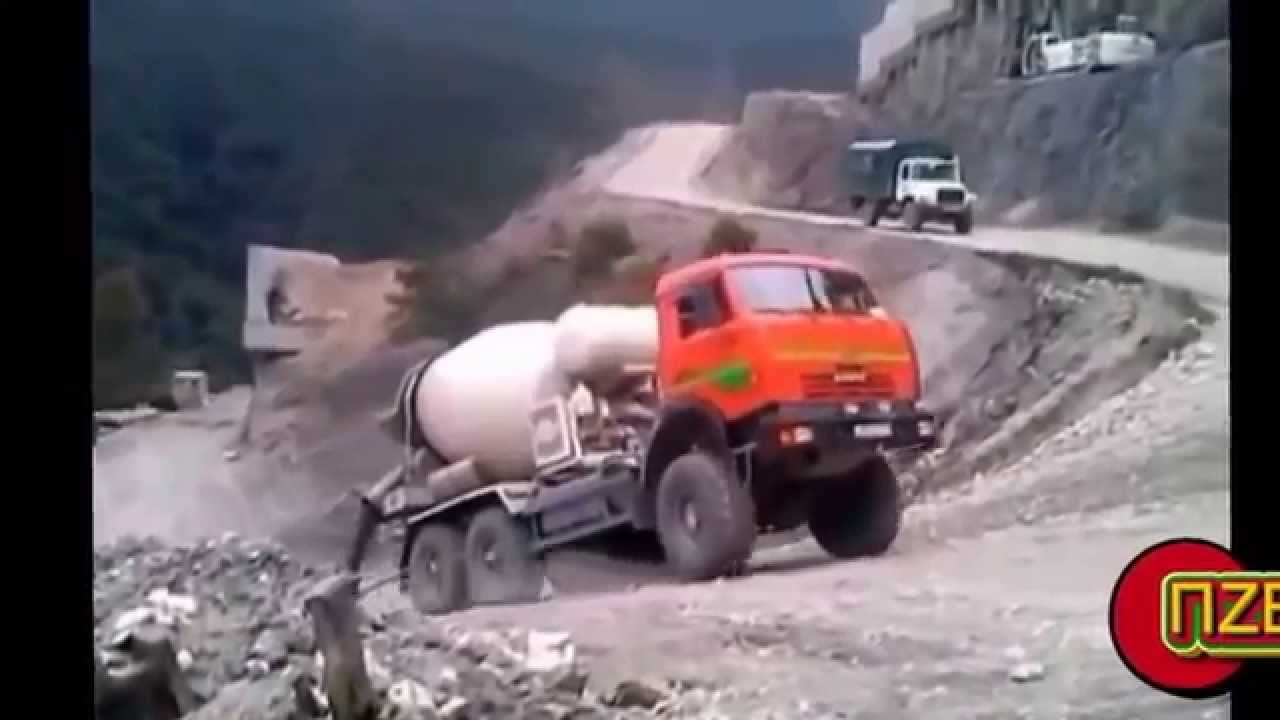Приколы с грузовиками :: Автоприколы :: Trucks funny :: Big Car fails