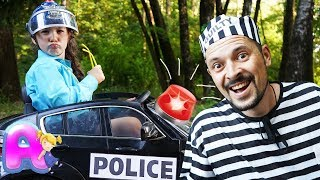 Anna plays the profession of a policeman