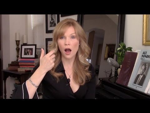 Singing Lessons: Vocal Warm-up to Sing Better: Open Mouth Hum