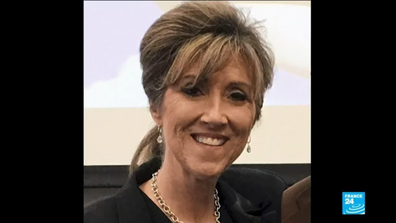 فرانس 24:US Southwest airlines blast: Tammie Jo Shults, the pilot hailed as a hero, who landed Flight 1380