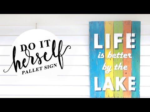 DIY Painted Wood Pallet Sign Tutorial