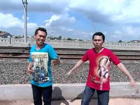 Silopak Trio - Sik Sik Sibatumanikam (Official Music Video)