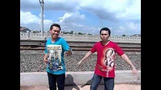 Silopak Trio - Sik Sik Sibatumanikam (Official Music Video)