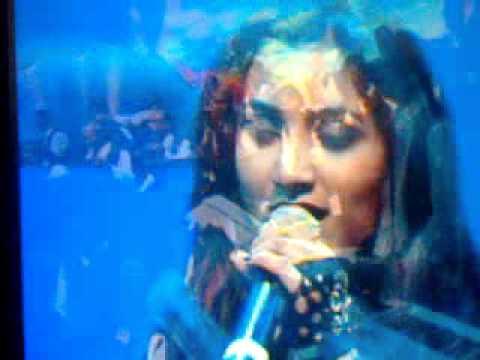 SHERYA GOSHAL AT YUVAN LIVE IN CONCERT AT CHENNAI 2011