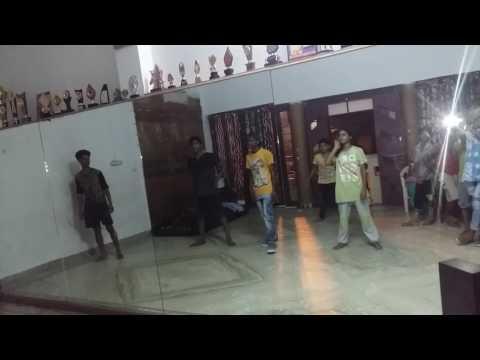 Deepak Basith locking hey ganaraya song ABCD 2