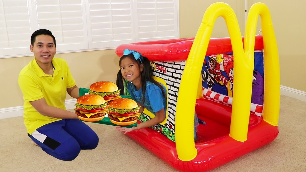 Wendy Pretend Play W Mcdonald S Inflatable Restaurant