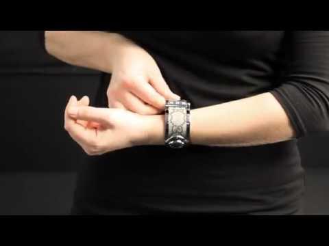 b2ada6e3146 Gucci Twirl Bangle Watch YA112425 - YouTube