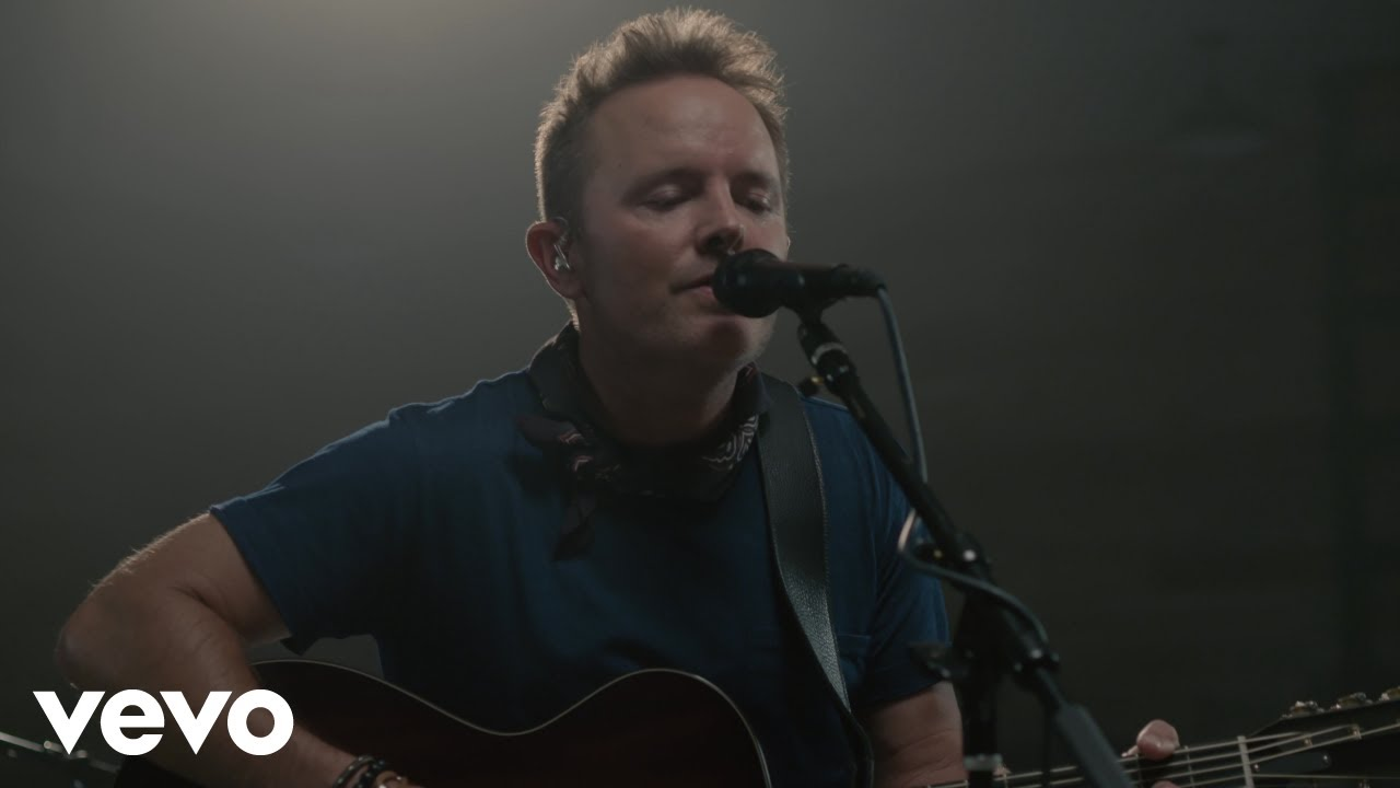 Chris Tomlin - Is He Worthy? (Acoustic) ft  Andrew Peterson