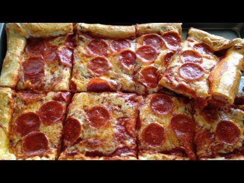 Como hacer pizza de pepperoni  con bordos rellenos  de salchichas