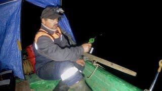 Рыбалка на налима на зимнюю удочку с ночёвкой в лодке