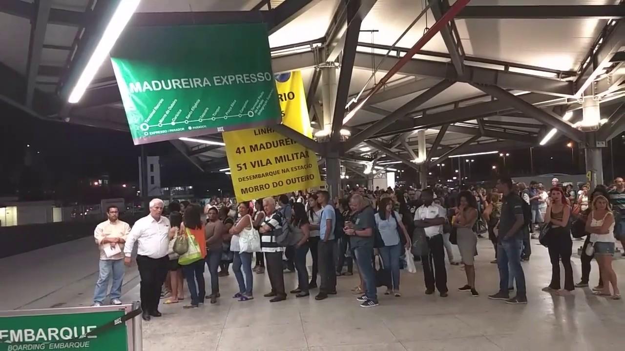 Cariocas mostra a fartura de transporte público para o rock in Rio
