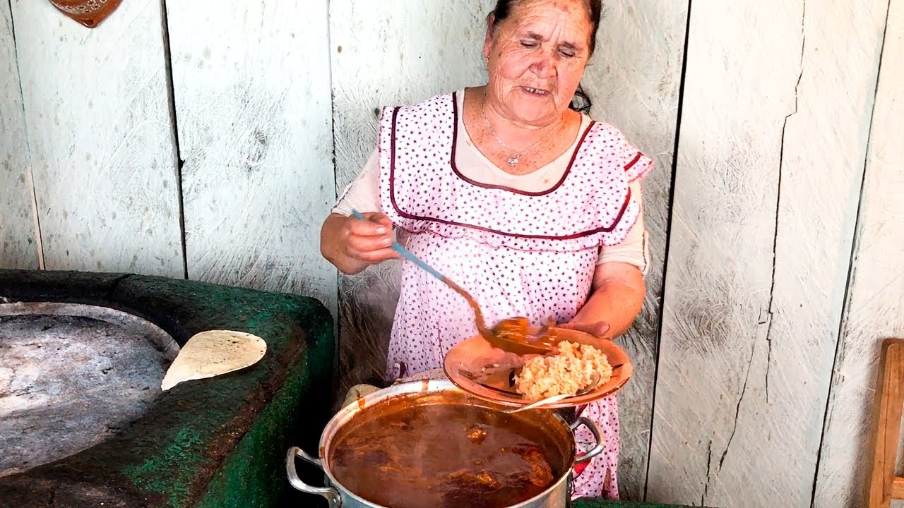 Abuelita Behind De Mi Rancho A Tu Cocina Is A Youtube Star