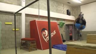 Паркур обучение и трюки 2014(Паркур обучение и трюки 2014. Хотите увидеть паркур обучение для начинающих и посмотреть лучшие трюки на..., 2014-10-29T06:20:30.000Z)