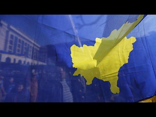 <h2><a href='https://webtv.eklogika.gr/to-kosovo-giortase-10-chronia-anexartisias' target='_blank' title='Το Κόσοβο γιόρτασε 10 χρόνια «ανεξαρτησίας»'>Το Κόσοβο γιόρτασε 10 χρόνια «ανεξαρτησίας»</a></h2>