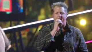 Rascal Flatts Bob That Head on CMT Music Awards