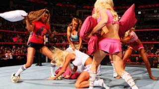 Raw: Diva Pajama Pillow Fight Match