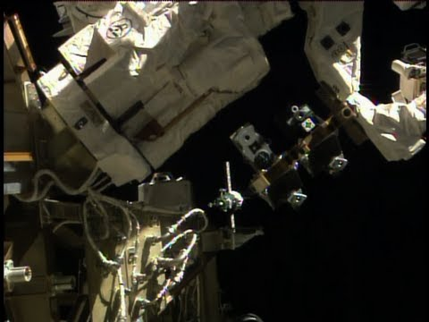 Expedition 39 40 Crew Docks to the Space Station