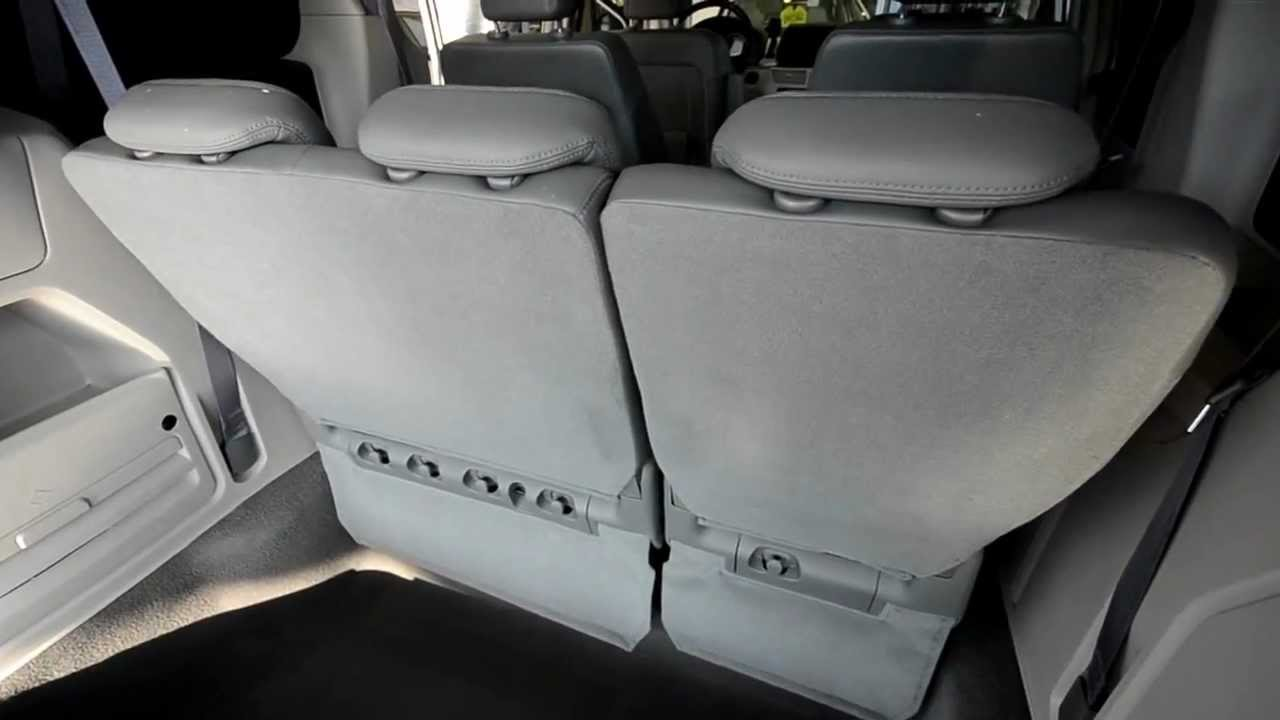 2009 Volkswagen Routan SEL Disappearing Third Row MAGIC seat at Trend  Motors VW in Rockaway, NJ