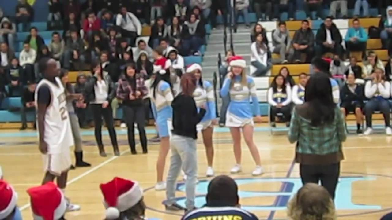 Pin By Stacey Olinger On School Pep Rally Games Pep Assembly Rally Idea