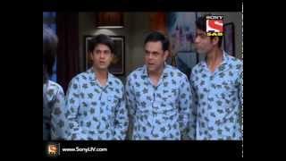 Badi Door Se Aaye Hain - बड़ी दूर से आये है - Episode 98 - 23rd October 2014
