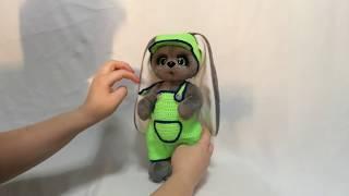 Мягкая игрушка своими руками  . Обзор плюшевого зайки в зелёном костюме .