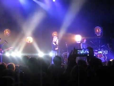London Grammar live in Boston (1.26.2015, House of Blues) 4. the rest of the set