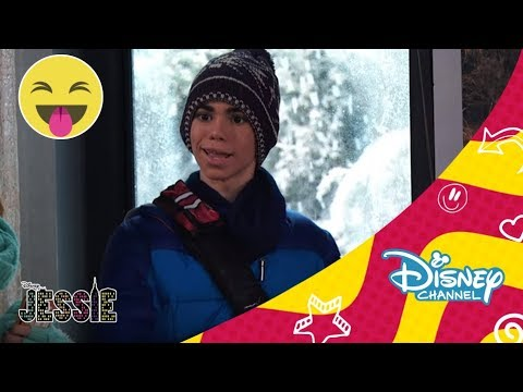 Disney Channel España | Jessie - Captura a la gruñona